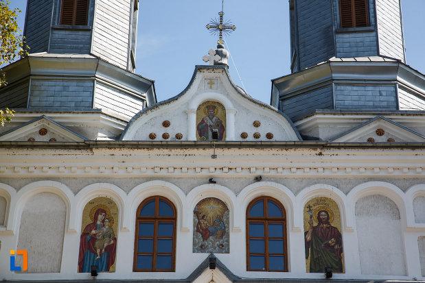 partea-de-sus-de-la-catedrala-sf-ierarh-nicolae-din-tulcea-judetul-tulcea.jpg
