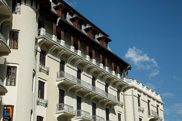 partea-de-sus-de-la-hotel-palace-din-baile-govora-judetul-valcea.jpg