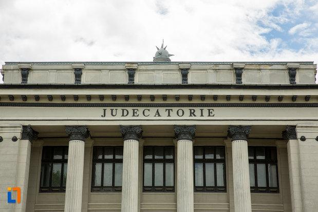 partea-de-sus-de-la-judecatoria-din-caracal-judetul-olt.jpg