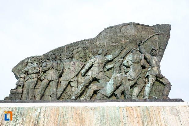 partea-de-sus-de-la-monumentul-independentei-de-langa-corabia-judetul-olt.jpg