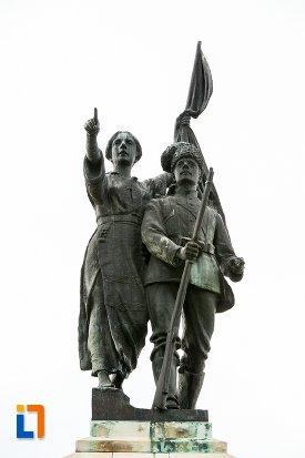 partea-de-sus-de-la-monumentul-independentei-din-corabia-judetul-olt.jpg