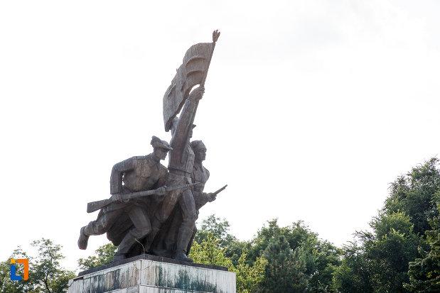 partea-de-sus-de-la-monumentul-independentei-din-turnu-magurele-judetul-teleorman.jpg