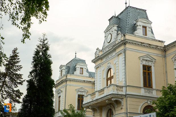 partea-de-sus-de-la-muzeul-judeean-olt-din-slatina.jpg