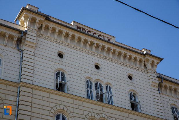 partea-de-sus-de-la-palatul-dicasterial-din-timisoara-judetul-timis.jpg
