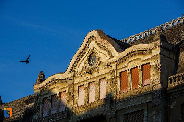 partea-de-sus-de-la-palatul-loffler-din-timisoara-judetul-timis.jpg