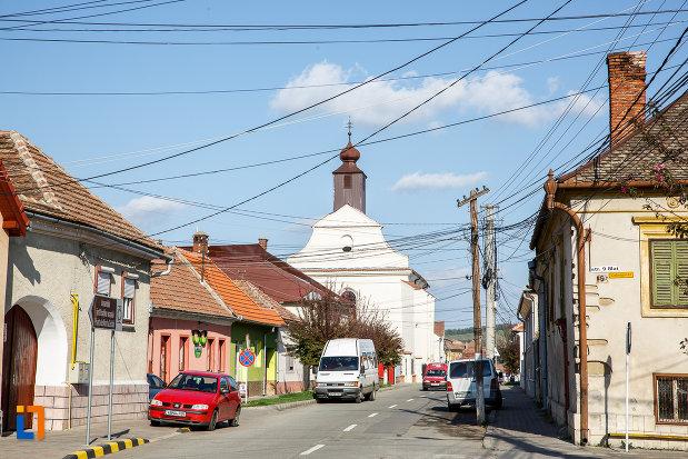 partea-din-fata-de-la-biserica-romano-catolica-sf-bartolomeu-din-sebes-judetul-alba.jpg