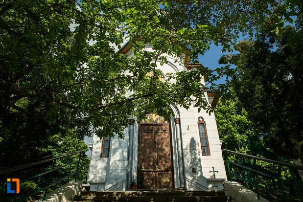 partea-din-fata-de-la-biserica-sf-gheorghe-din-slatina-judetul-olt.jpg