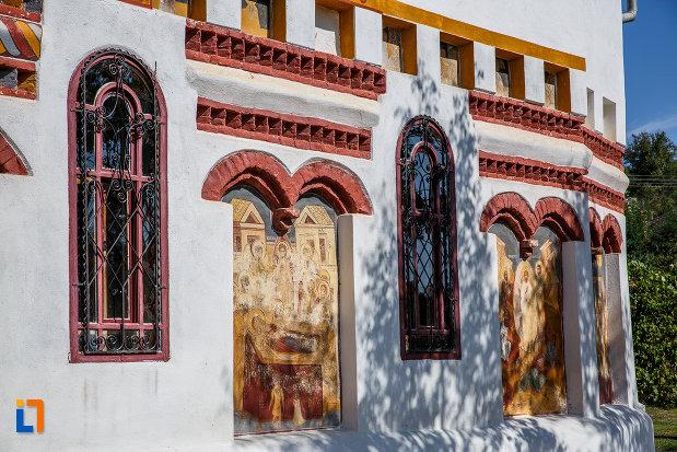 partea-din-lateral-de-la-biserica-sf-ioan-botezatorul-brancoveanu-de-sus-1810-din-ocna-sibiului-judetul-sibiu.jpg