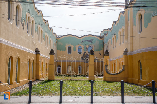 pavilionul-bailor-din-ocna-sibiului-judetul-sibiu-curte-interioara.jpg