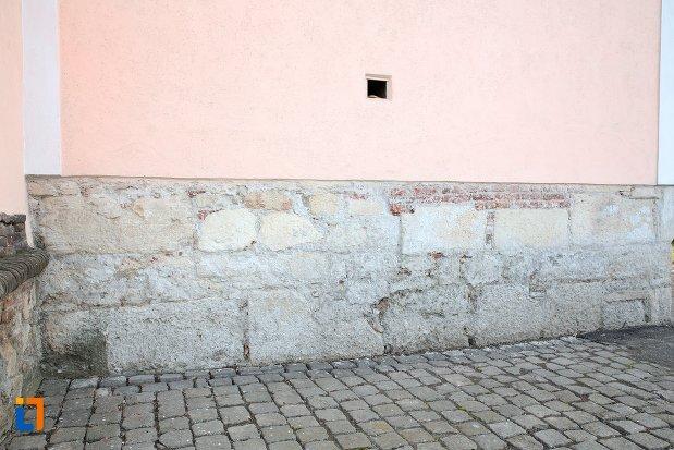 perete-original-de-la-biserica-maieri-sf-treime-din-alba-iulia-judetul-alba.jpg