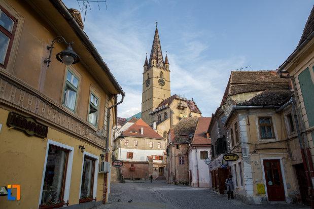 piata-centrala-cu-catedrala-evanghelica-sf-maria-din-sibiu-judetul-sibiu.jpg
