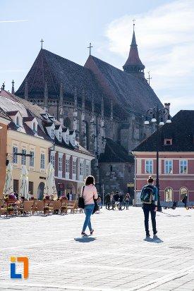 piata-centrala-din-orasul-brasov-judetul-brasov.jpg