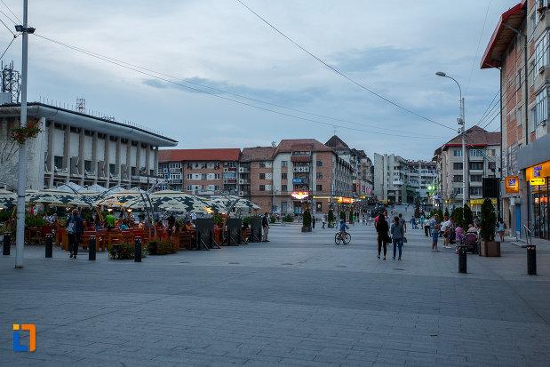 piata-centrala-din-orasul-suceava-judetul-suceava.jpg
