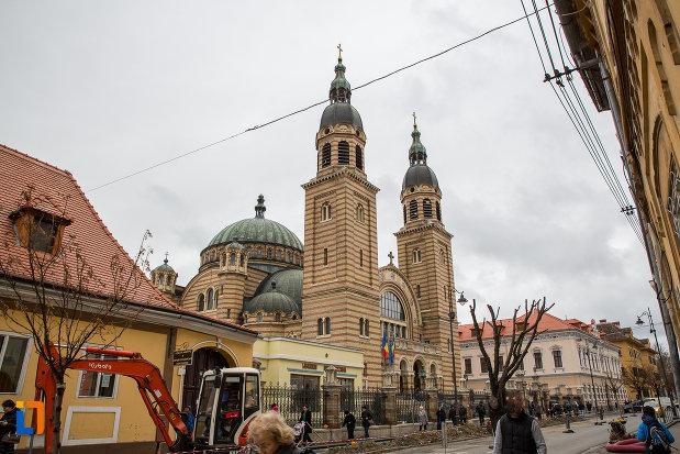 piata-centrala-si-catedrala-mitropolitana-sf-treime-din-sibiu-judetul-sibiu.jpg