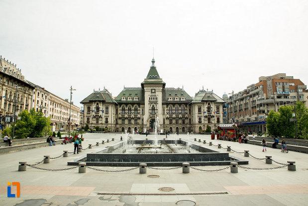 piata-cu-palatul-administrativ-prefectura-consiliul-judetean-din-craiova-judetul-dolj.jpg