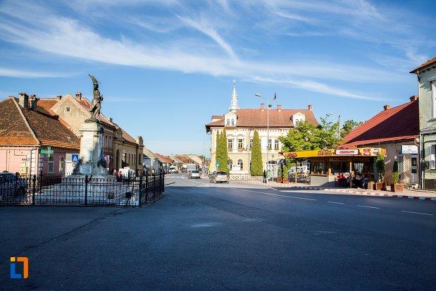 piata-din-orasul-sacele-judetul-brasov.jpg