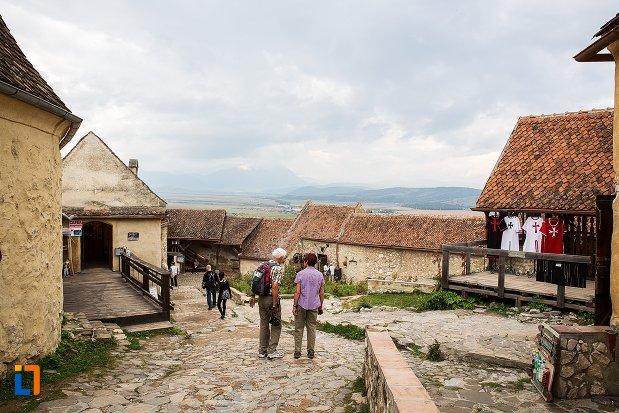 piata-pavata-din-cetatea-rasnov-judetul-brasov.jpg