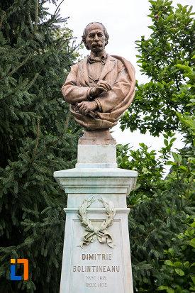 piatra-funerara-si-bustul-lui-dimitrie-bolintineanu-din-bolintin-vale-judetul-giurgiu.jpg