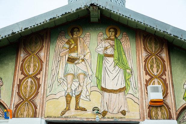 pictura-cu-mihail-si-gavril-biserica-sf-arhangheli-din-draganesti-olt-judetul-olt.jpg