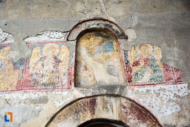 pictura-cu-sfinti-biserica-adormirea-maicii-domnului-olari-din-curtea-de-arges-judetul-arges.jpg