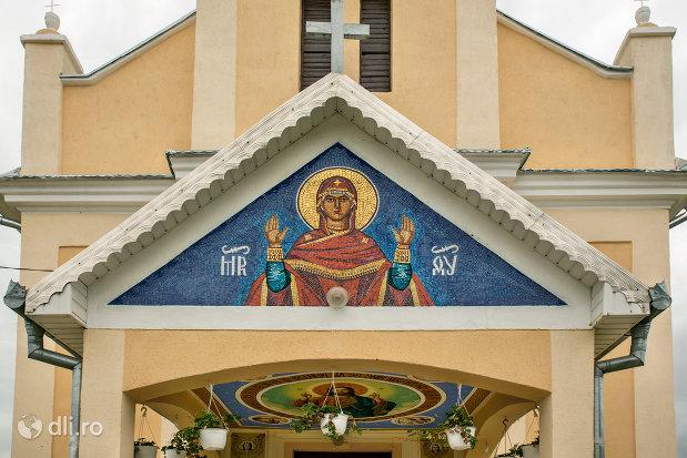 pictura-de-la-intrare-in-biserica-sf-mihai-si-gavril-din-marius-judetul-satu-mare.jpg
