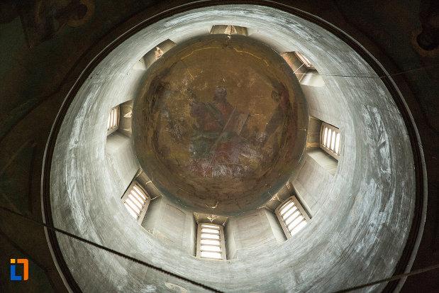 pictura-de-pe-cupola-din-biserica-grecescu-din-drobeta-turnu-severin-judetul-mehedinti.jpg