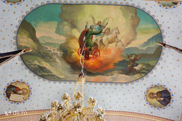 pictura-interioara-in-biserica-ortodoxa-din-piscolt-judetul-satu-mare.jpg