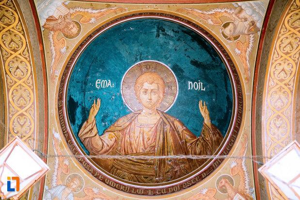pictura-murala-ansamblul-bisericii-sf-treime-din-craiova-judetul-dolj.jpg