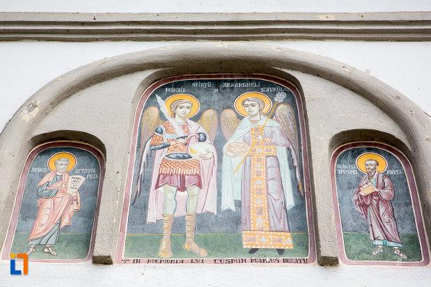 pictura-murala-biserica-sf-arhagheli-mihail-si-gavril-din-mihailesti-judetul-giurgiu.jpg