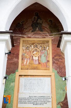pictura-murala-biserica-si-manastirea-sf-voievozi-din-slobozia-judetul-ialomita.jpg