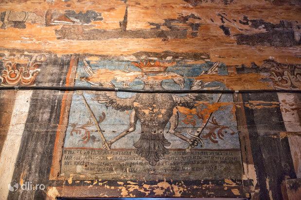 pictura-murala-cu-inger-biserica-de-lemn-sf-arhangheli-din-borsa-judetul-maramures.jpg