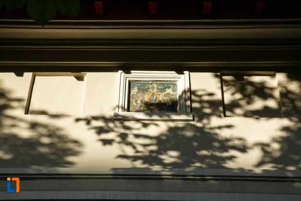 pictura-murala-de-pe-biserica-adormire-maicii-domnului-din-focsani-judetul-vrancea.jpg