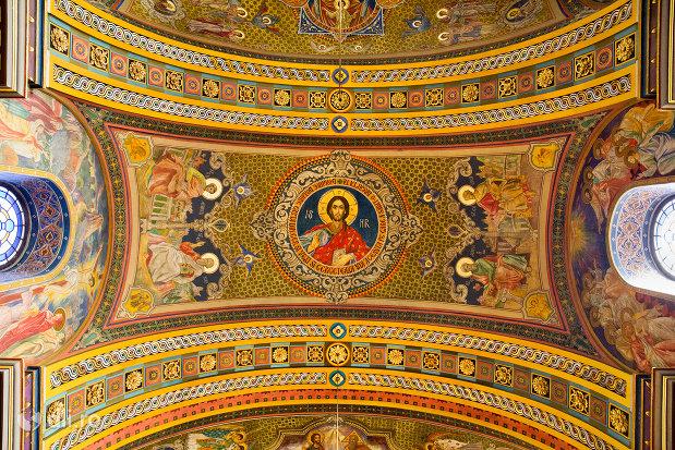 pictura-pe-bolta-catedrala-ortodoxa-adormirea-maicii-domnului-biserica-cu-luna-din-oradea-judetul-bihor.jpg