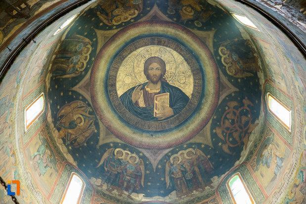 pictura-pe-cupola-biserica-sf-apostoli-si-sf-gheorghe-din-caracal-judetul-olt.jpg