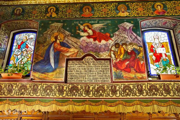 pictura-si-placuta-din-biserica-ortodoxa-sf-treime-din-oradea-judetul-bihor.jpg