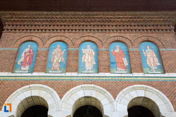 picturi-cu-sfinti-ansamblul-bisericii-sf-treime-din-craiova-judetul-dolj.jpg