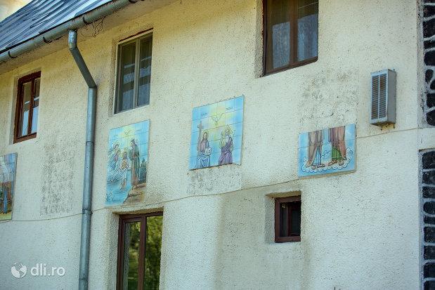 picturi-cu-sfinti-de-la-manastirea-portarita-din-prilog-judetul-satu-mare.jpg