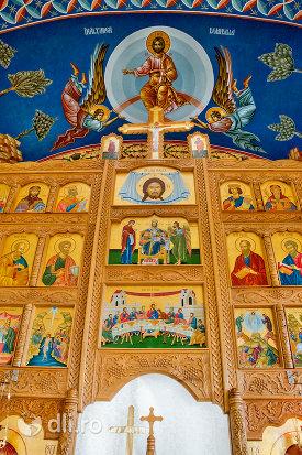 picturi-din-manastirea-sfanta-treime-din-moiseni-judetul-satu-mare.jpg