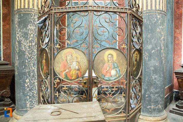 picturi-din-mausoleul-familiei-filisanu-din-filiasi-judetul-dolj.jpg