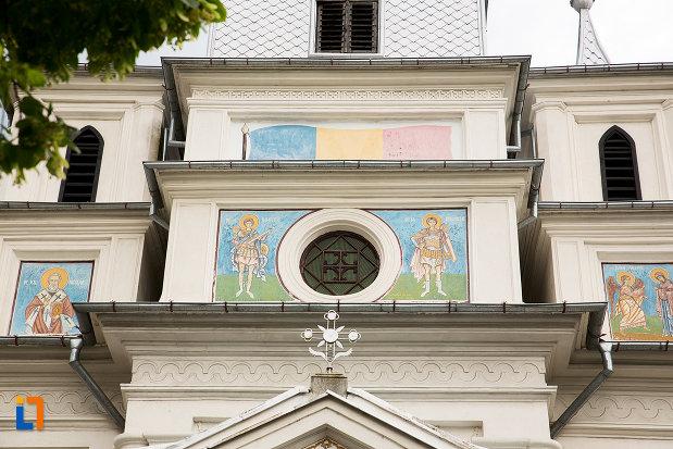 picturi-exterioare-biserica-sf-nicolae-buna-vestire-din-campulung-muscel-judetul-arges.jpg