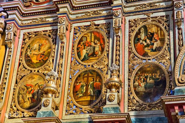picturi-murale-catedrala-ortodoxa-adormirea-maicii-domnului-biserica-cu-luna-din-oradea-judetul-bihor.jpg