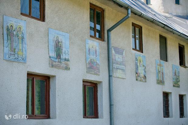 picturi-murale-de-la-manastirea-portarita-din-prilog-judetul-satu-mare.jpg