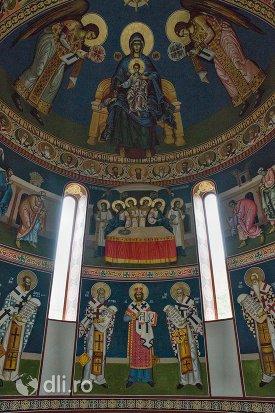 picturi-si-vitralii-manastirea-marius-judetul-satu-mare.jpg
