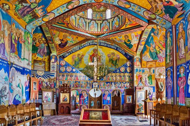 picturile-interioare-de-la-manastirea-portarita-din-prilog-judetul-satu-mare.jpg