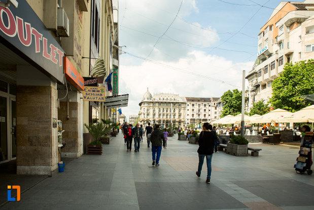 pietoni-in-orasul-craiova-judetul-dolj.jpg