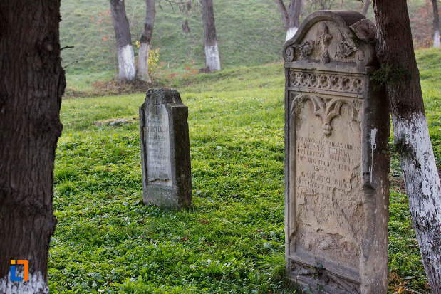 pietre-funerare-biserica-romano-catolica-calvaria-din-cluj-napoca-judetul-cluj.jpg