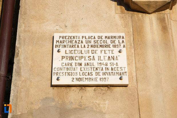 placa-comemorativa-cu-un-secol-de-la-infiintarea-colegiului-dobrogean-spiru-haret-din-tulcea-judetul-tulcea.jpg