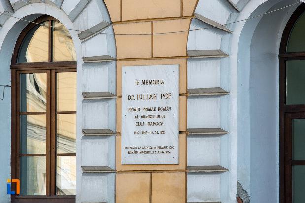 placa-cu-informatii-de-pe-consiliul-local-al-municipiului-cluj-napoca-judetul-cluj.jpg
