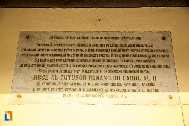 placa-informativa-de-la-biserica-sf-apostoli-petru-si-pavel-din-targu-jiu-judetul-gorj.jpg