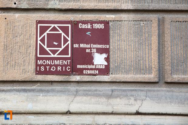 placa-informativa-de-pe-casa-din-anul-1906-monument-istoric-din-arad-judetul-arad.jpg